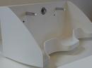 Kirurgvask udført i 12 mm Corian® Farve: Glacier White.