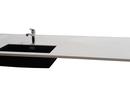 24 mm. Dupont Corian bordplade med underlimet granitvask Blanco Subline 700 Antracit. Bordpladefarve er Glacier White. Bordpladen er fremstillet til en køkken Ø.