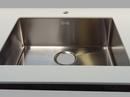 Stålvask Lavabo Kubus 500 Soft underlimet i Dupont Corian bordplade.