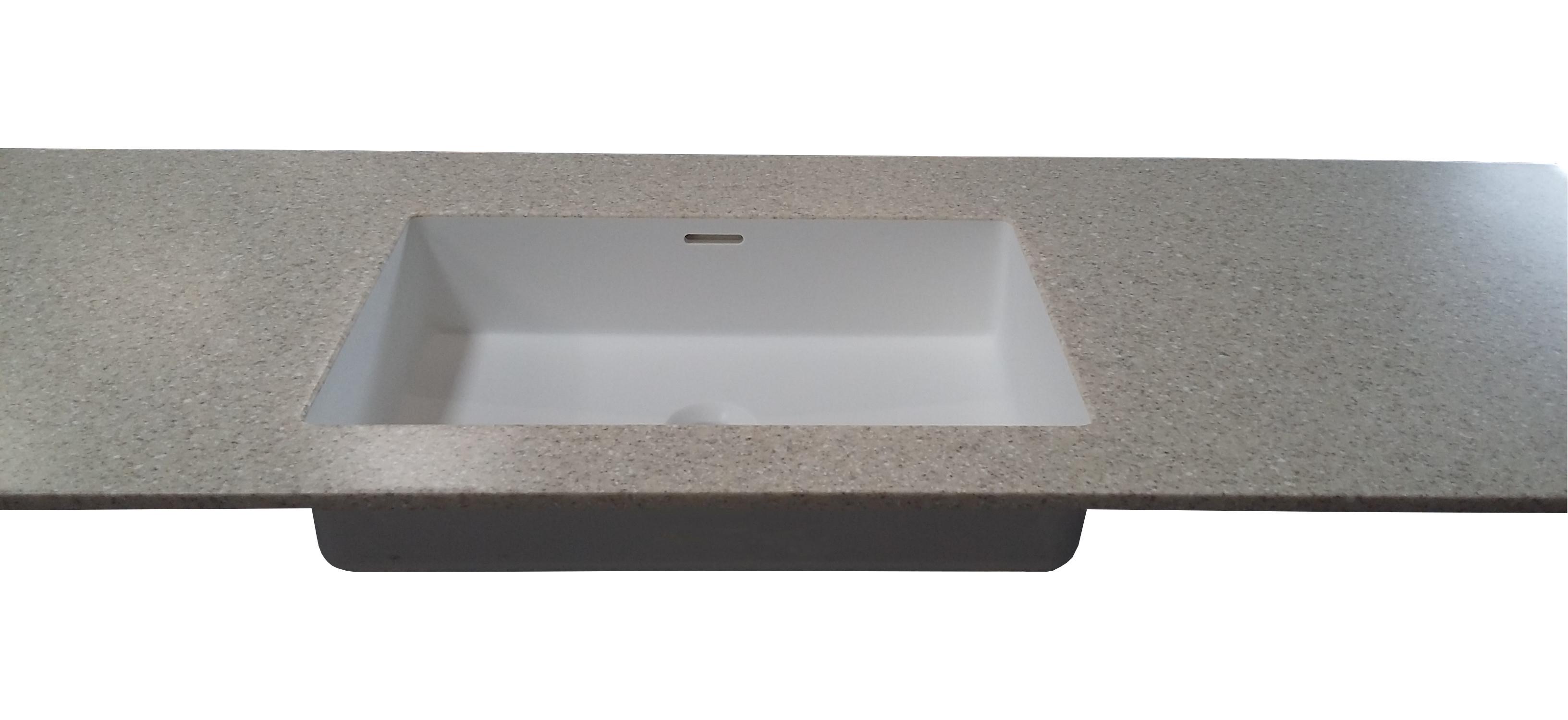 Dupont Corian bordplade med isvejst corianvask Quiet 7110 til badeværelse Farve på bordplade er Sahara. Farve på vask er Glacier White.